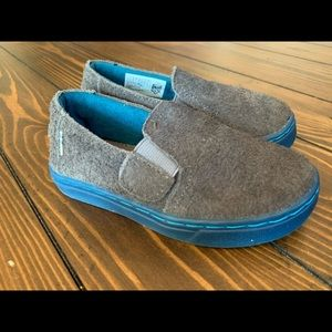 New TOMS Luca Slip Ons In Gray Shaggy Suede